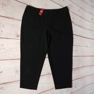Avenue Black Cropped Pants 16 AVG NWT